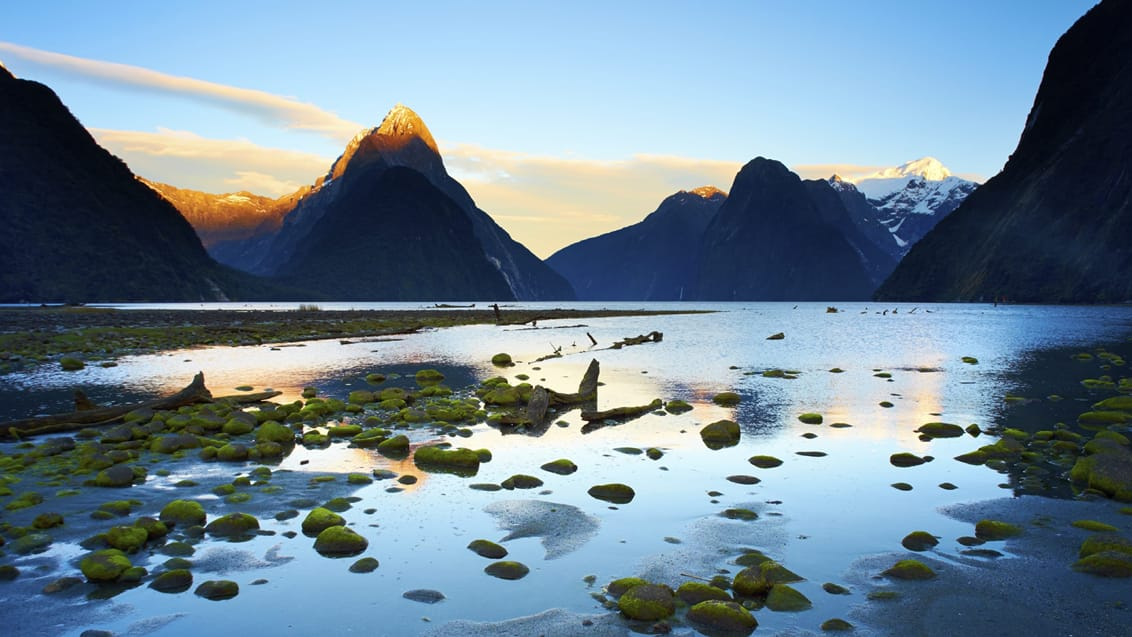 Solopgang, Milford Sound, New Zealand